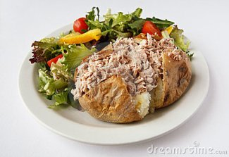 tuna-mayo-jacket-potato-side-salad-23592422